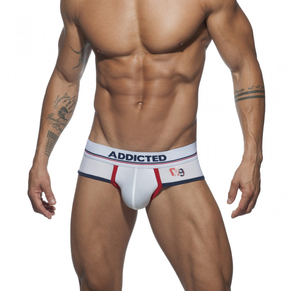 SPORT 09 BRIEF AD - addicted
