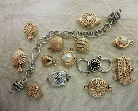 Various Clasps