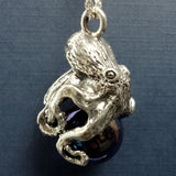 Octopus Pawjama pendant with marble