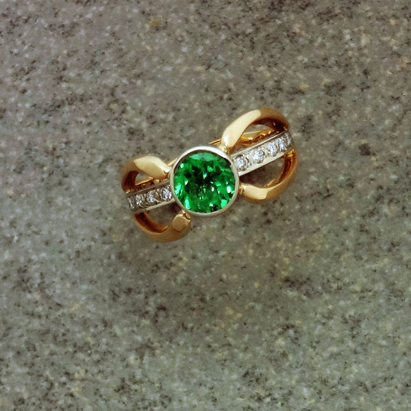 Tsavorite Green Garnet Duet ring 14k Diamond under bar European shank USA