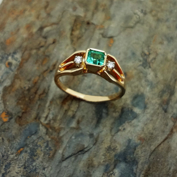 Emerald Diamond ring traditional 14k USA handmade Jan David Jewelers