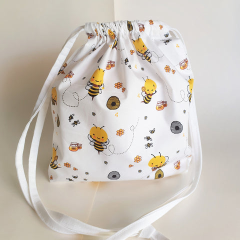 Happy bees drawstring bag