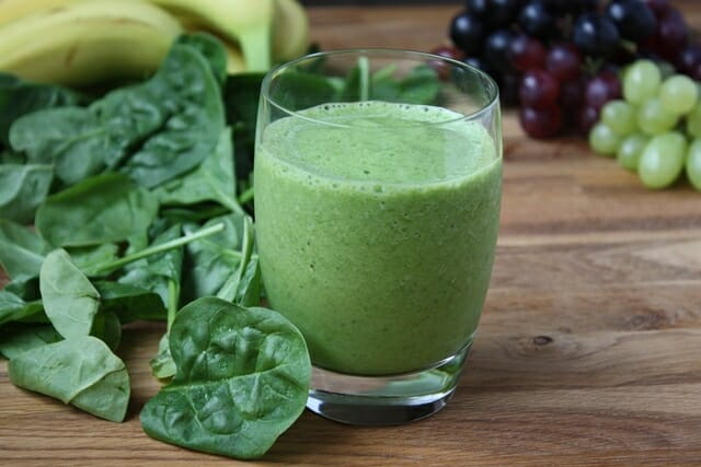 Spinach-green-Grape-Smoothie-2-small