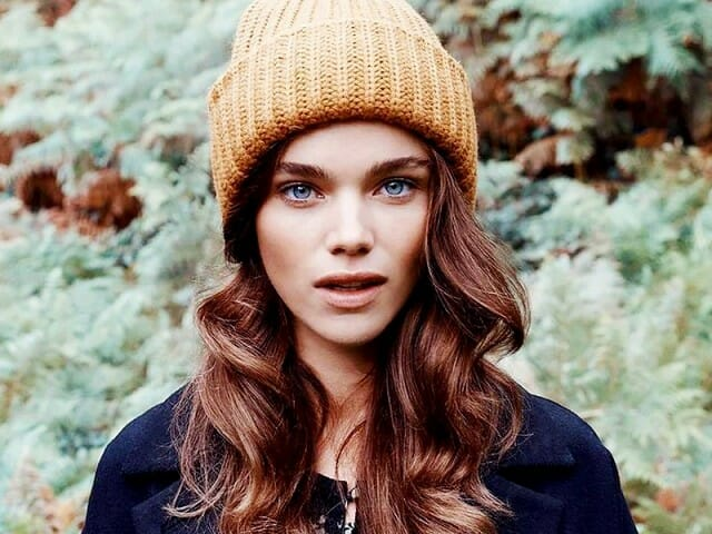 7-hairstyles-that-work-great-with-beanies-1593683-1450120306-640x0c