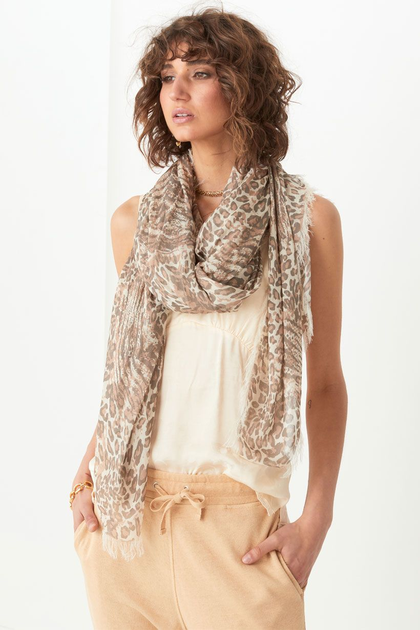 Ada Travel Scarf - Leopard