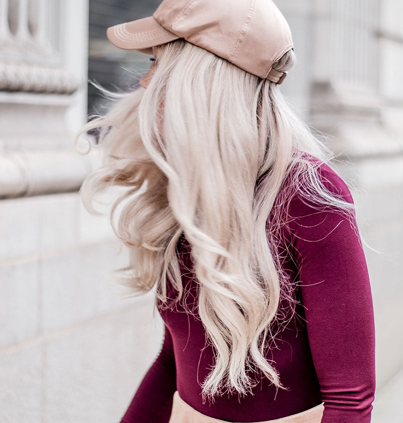 Girl with cap and perfect blonde achieved with MUVO