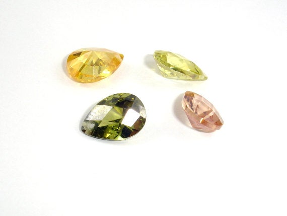 CZ beads, Faceted Pear, 7x10mm-BeadBasic