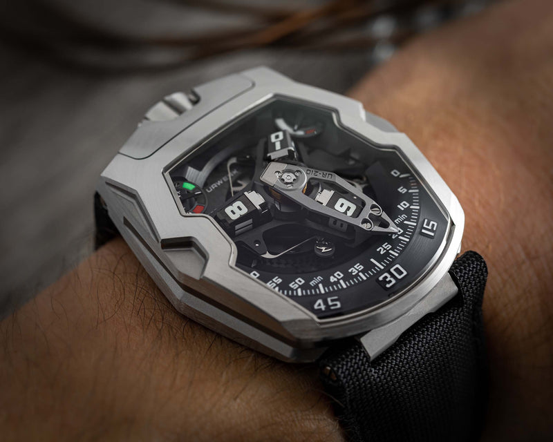 UR-210 STEEL LIMITED EDITION WRIST