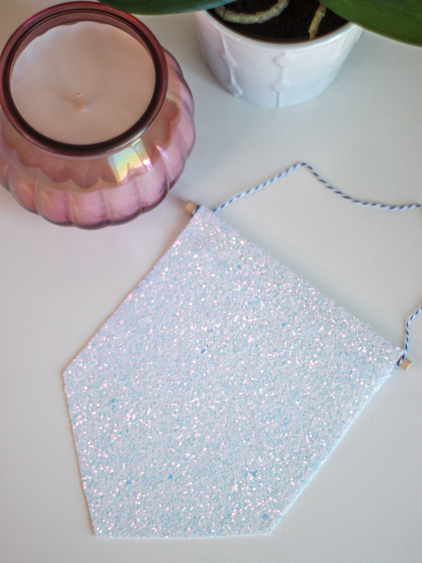 Icicle Glitter Hanging Pin Display