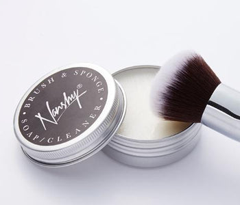 Your makeup brushes; ready, set, clean...
