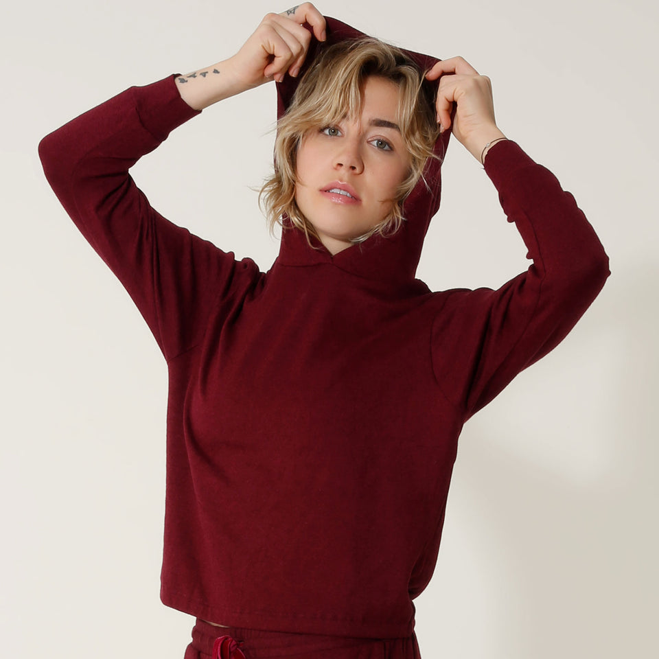 THE WINE RIBBON SWEATSHIRT