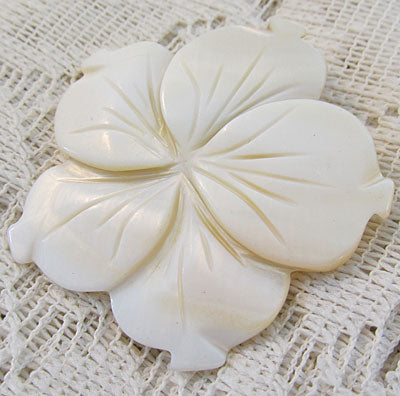 Ivory Flower Blossom Pin Peach Accented Mother of Pearl