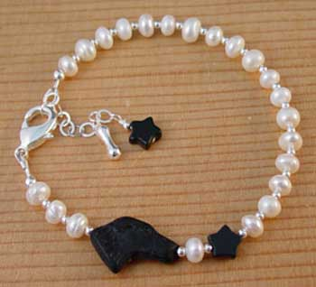 Black Dog Star Pearl Bracelet I Handcrafted Jewelry