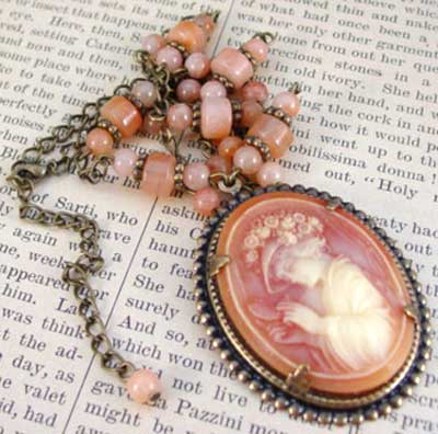 Lovely Lady Vintage Cameo Necklace Victorian Jewelry