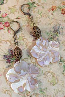 Mother of Pearl Flower Earrings Romantic Vintage Style Jewelry