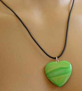 Irish Green Agate Heart Love Token Necklace Silver Jewelry