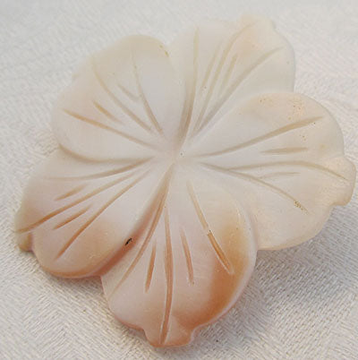 Hint of Pearch Flower Pin Mother of Pearl