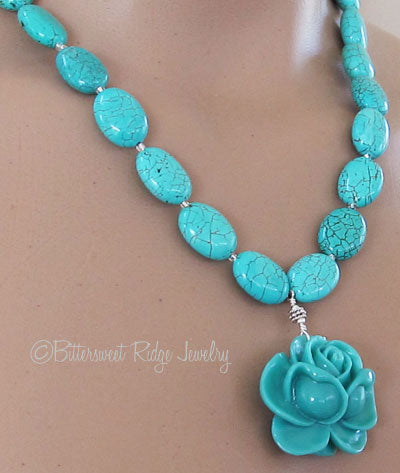 Chunky Turquoise Rose Necklace Silver
