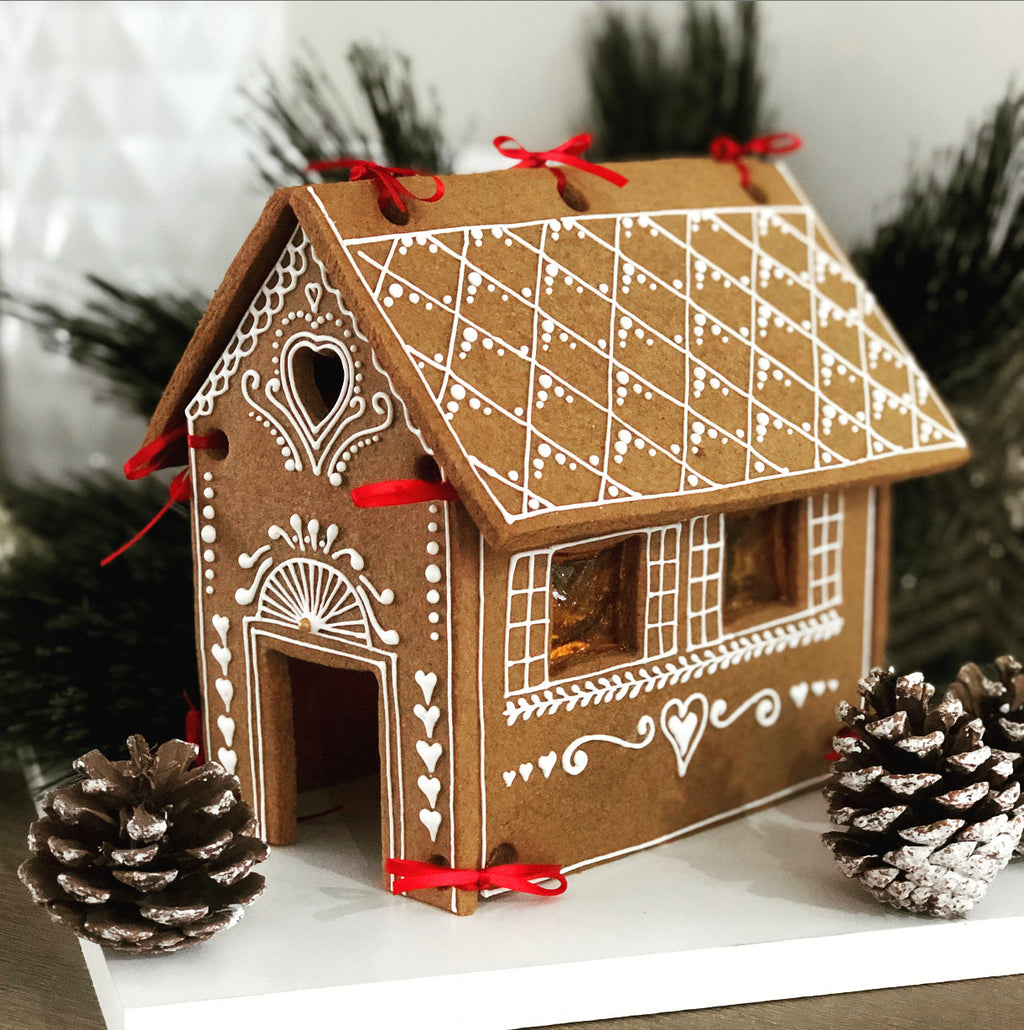 GINGERBREAD HOUSE / SAT DEC 5TH / 9-11AM