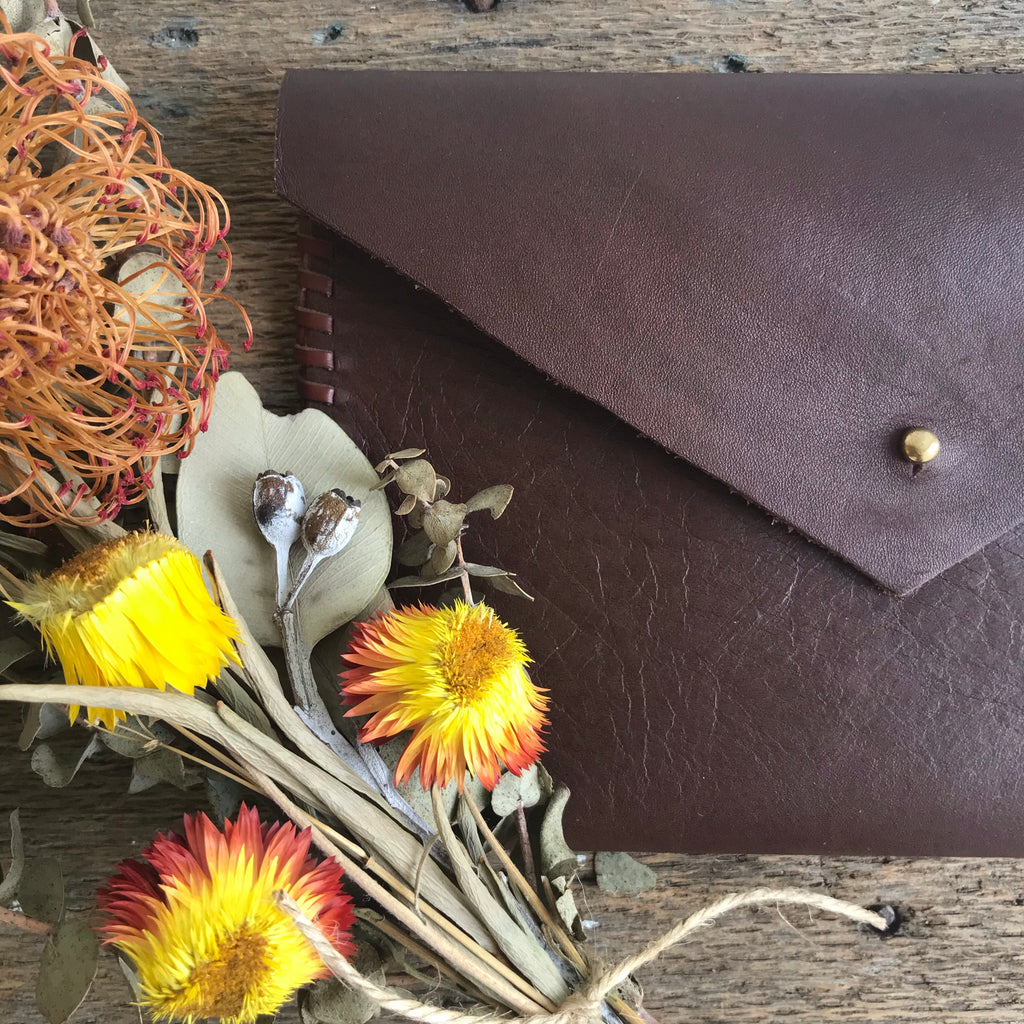 LEATHER CLUTCH / TUES NOV 24TH / 6.30-8.30PM