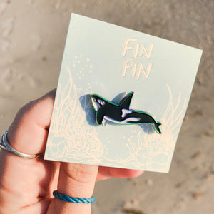 Orca enamel pin (rainbow plated)