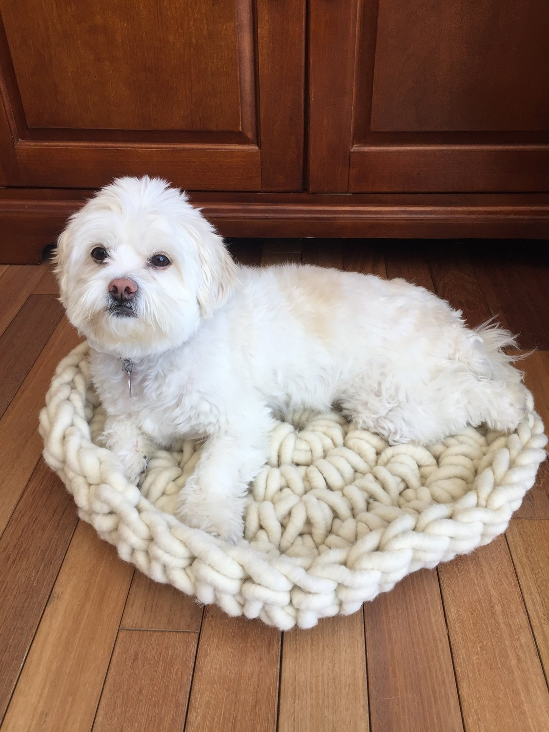 Pet Bed, Super Chunky Knit White