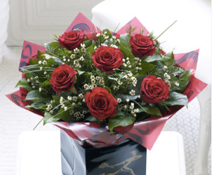 Valentines Flowers Loughton Crimson Kisses