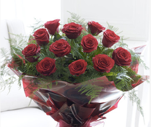 Long Stemmed Red Rose Valentines Flowers Loughton