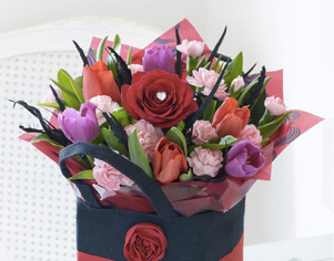 Valentine Gift Bag Flowers Loughton