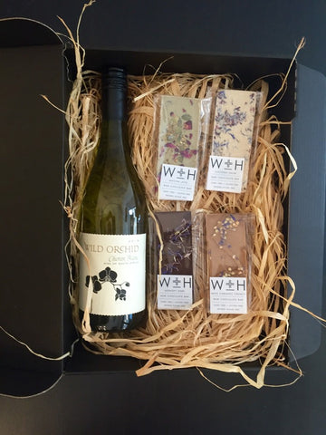 White Wine and Chocolate Gift Set