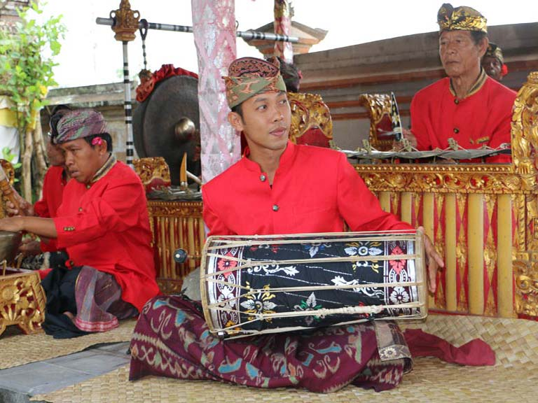 3-5h+ Barong and Trance Keris Dance Show near Ubud Incl. Hotel Transfer
