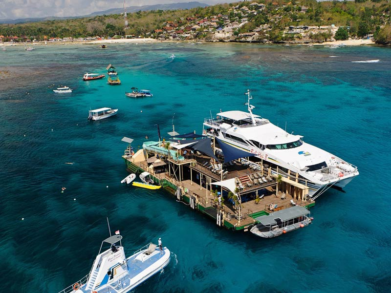 Lembongan Reef Cruise on Catamaran