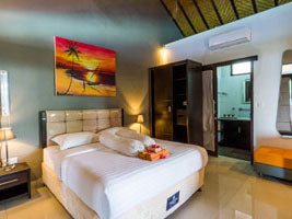 Holiday Package + Snorkeling in Gili Trawangan incl. Stay in Boutique Hotel with Boat Transfer