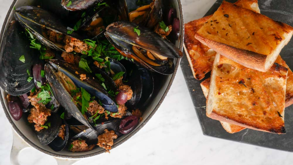 Spanish Chorizo and White Wine Mussels