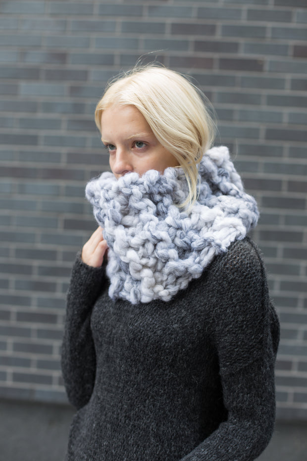 Chunky knit infinity woman  scarf  . - RoseUniqueStyle