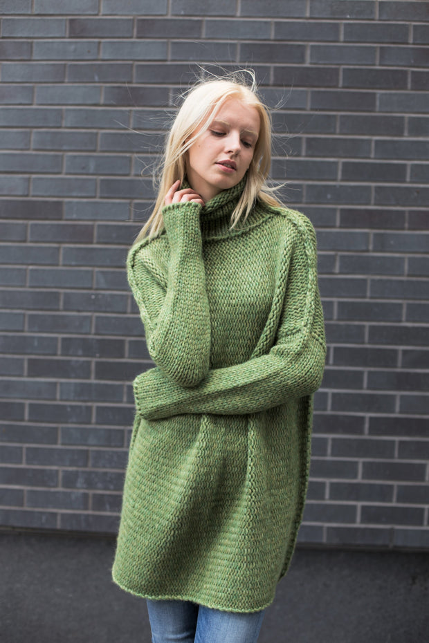 Moss green oversized  alpaca  sweater. - RoseUniqueStyle
