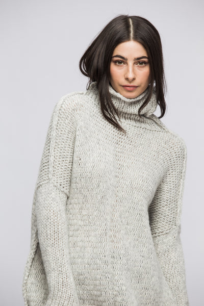 Oversized chunky knit sweater. - RoseUniqueStyle