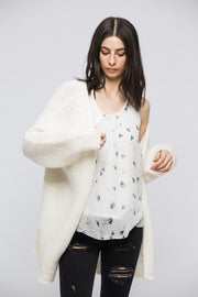 Off white Alpaca oversized  chunky knit woman cardigan.