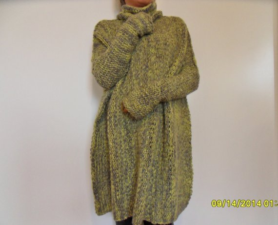 Oversized woman knit wool   sweater. - RoseUniqueStyle