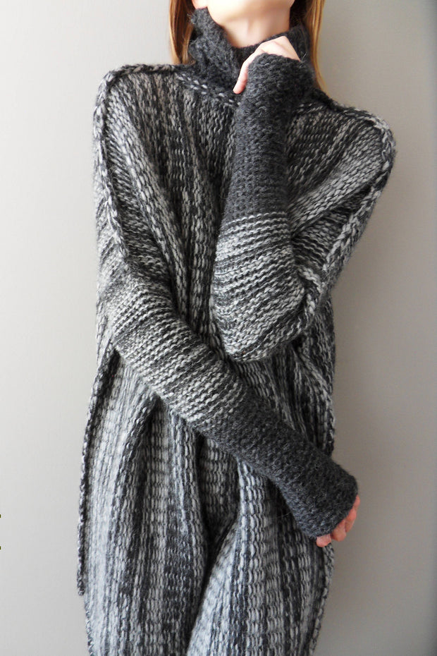 Grey Black Chunky knit  Alpaca woman sweater. - RoseUniqueStyle