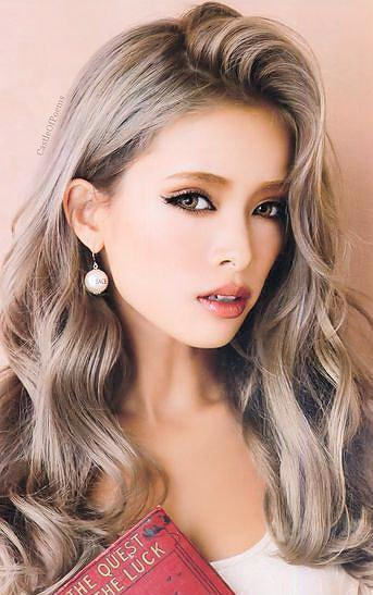 #18 DARK ASH BLONDE CLIP IN HAIR EXTENSIONS - Pure Tape Hair Extensions