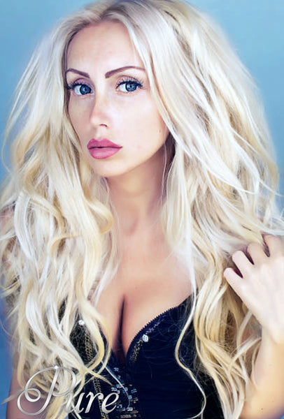 #Vanilla Blonde - Warm Medium Blonde Invisible Skin Weft Tape-In Hair Extensions - Pure Tape Hair Extensions