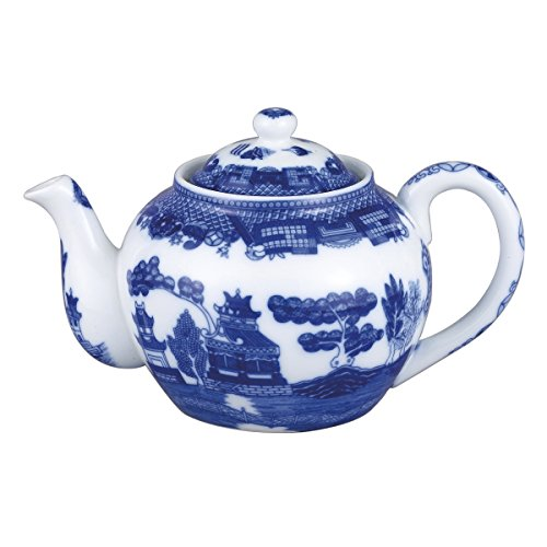 HIC Harold Import Co. 3726 Blue Willow Teapot, Fine White Porcelain, 6-Cup, 32-Ounce