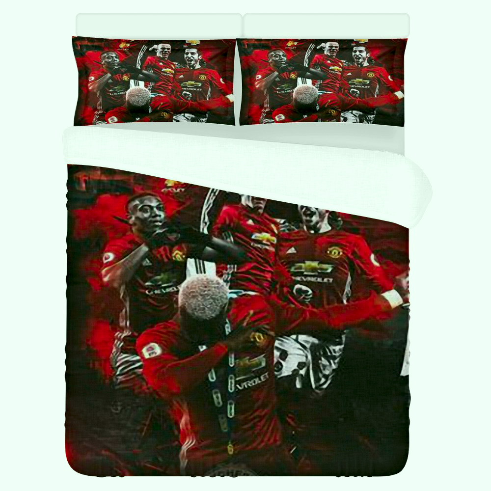 Manchester United Football Club Bedding Set (Duvet Cover & Pillowcases)
