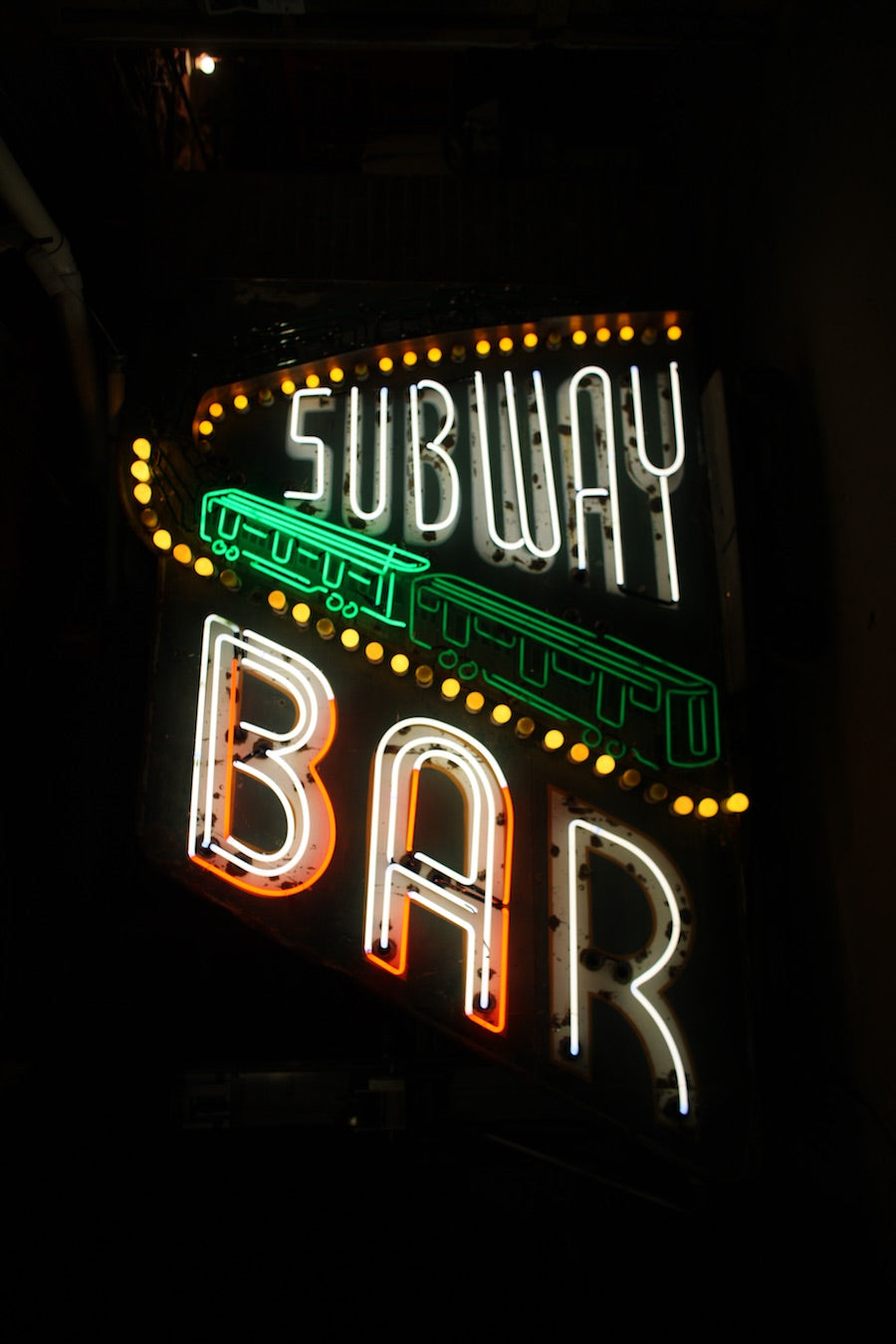 Subway Bar