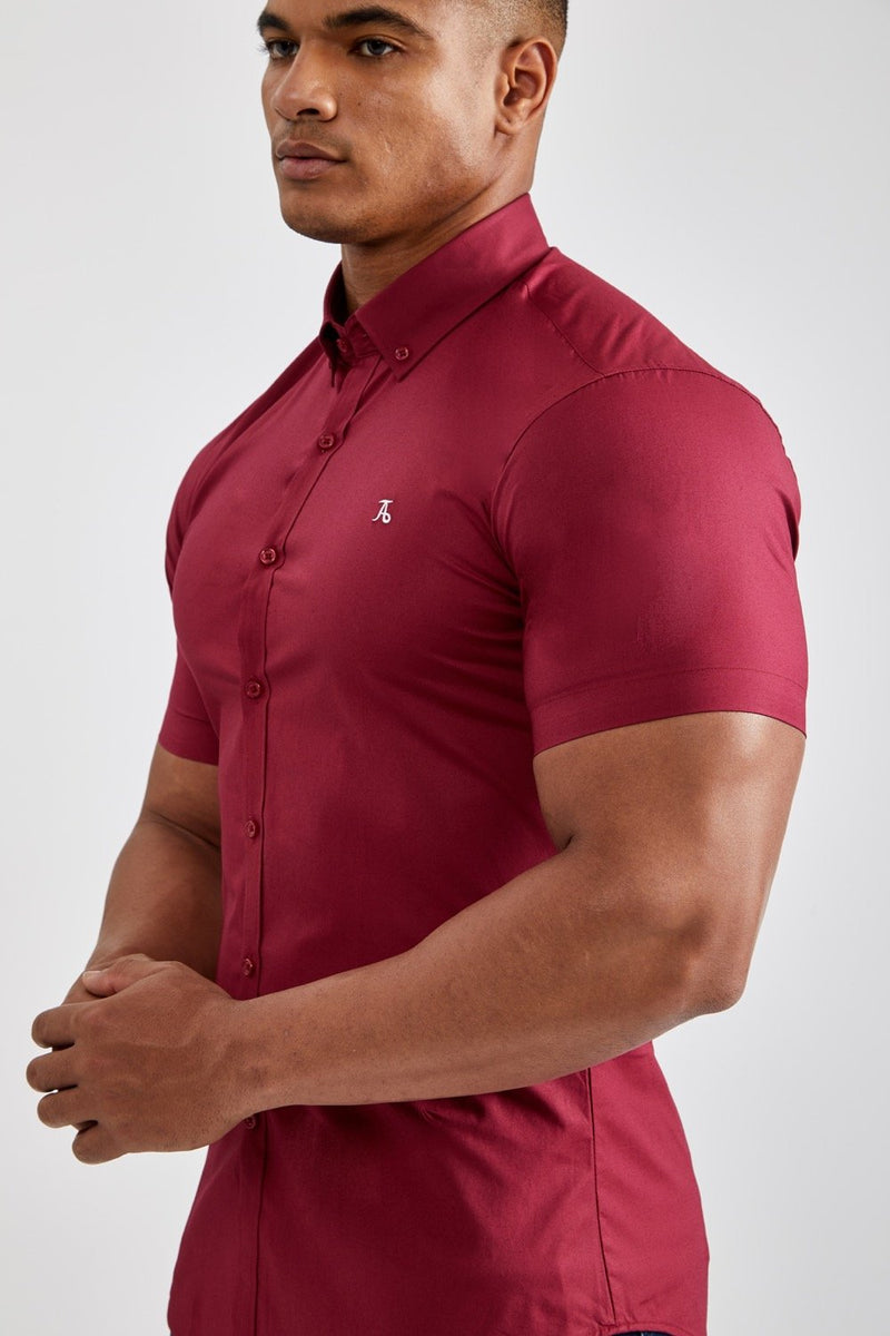 Essential Signature Shirt (SS) in Burgundy