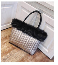 Load image into Gallery viewer, Elegant Furry Bag