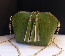 Load image into Gallery viewer, A tassel satchel!
