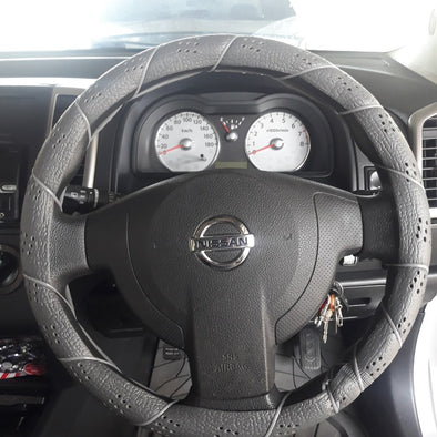 Majic Steering Wheel Cover Lace Up Soft Grip Leather-Look, Old School - The Car Wizz AutoStore