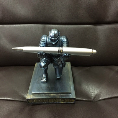 Home Decoration Desktop Pendant Figurine Executive Knight Pen Stand Holder Support pen Seat Desk Armor Hero Stand - Mirage Novelty World